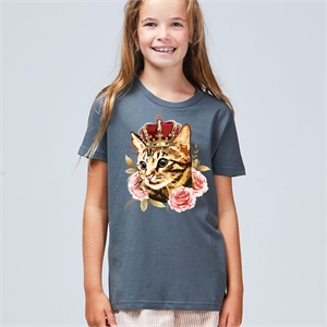 TIGER CAT WEARING CROWN